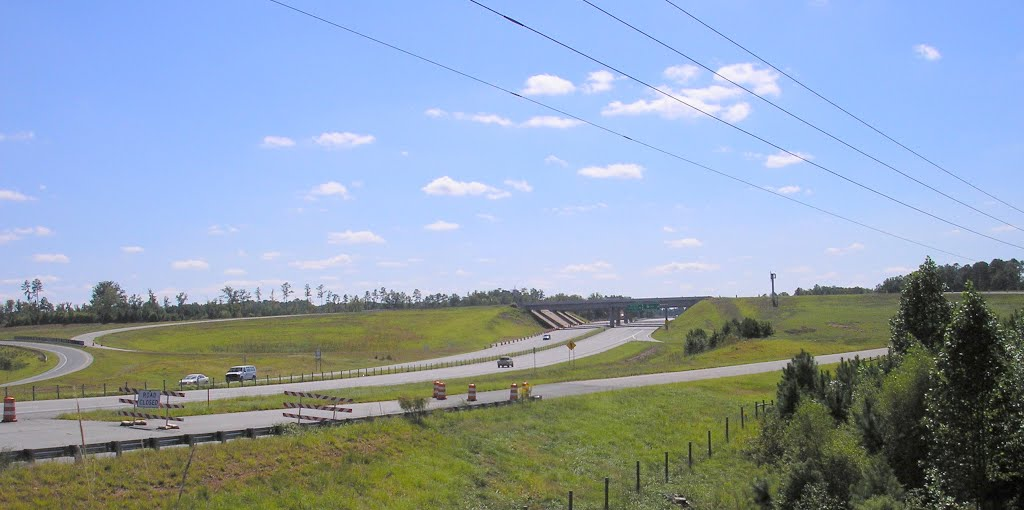 Sanford 421 Bypass going over US 1 incomplete  st, Вест-Конкорд