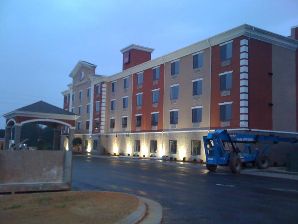 Comfort Suite hotel, Вудфин