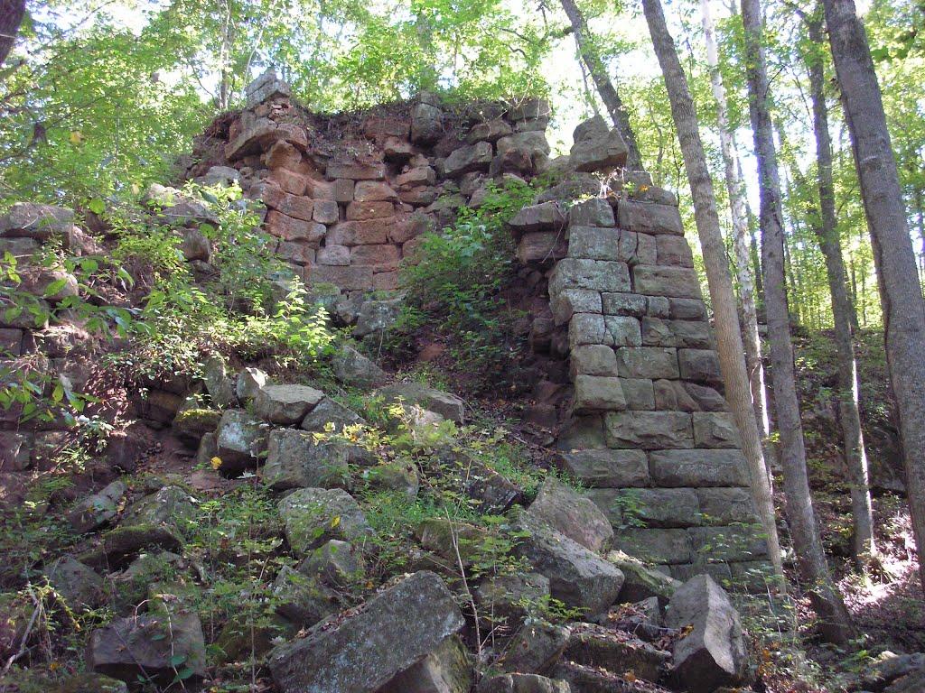 Endor Iorn Furnace remains of Civil War era on Deep River at Comnock, NC  st, Гранит-Фоллс