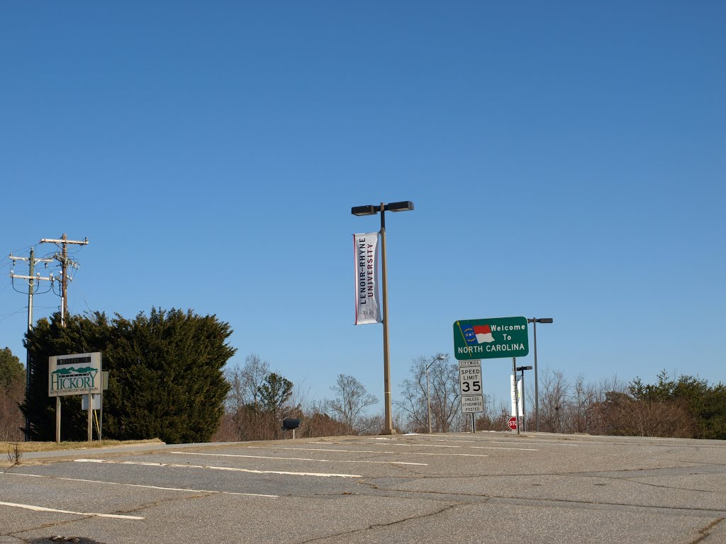 Hickory Airport Welcome to North Carolina, Пенелоп