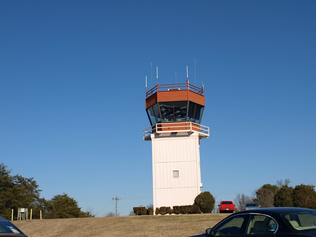 Hickory Airport Control Tower, Пенелоп