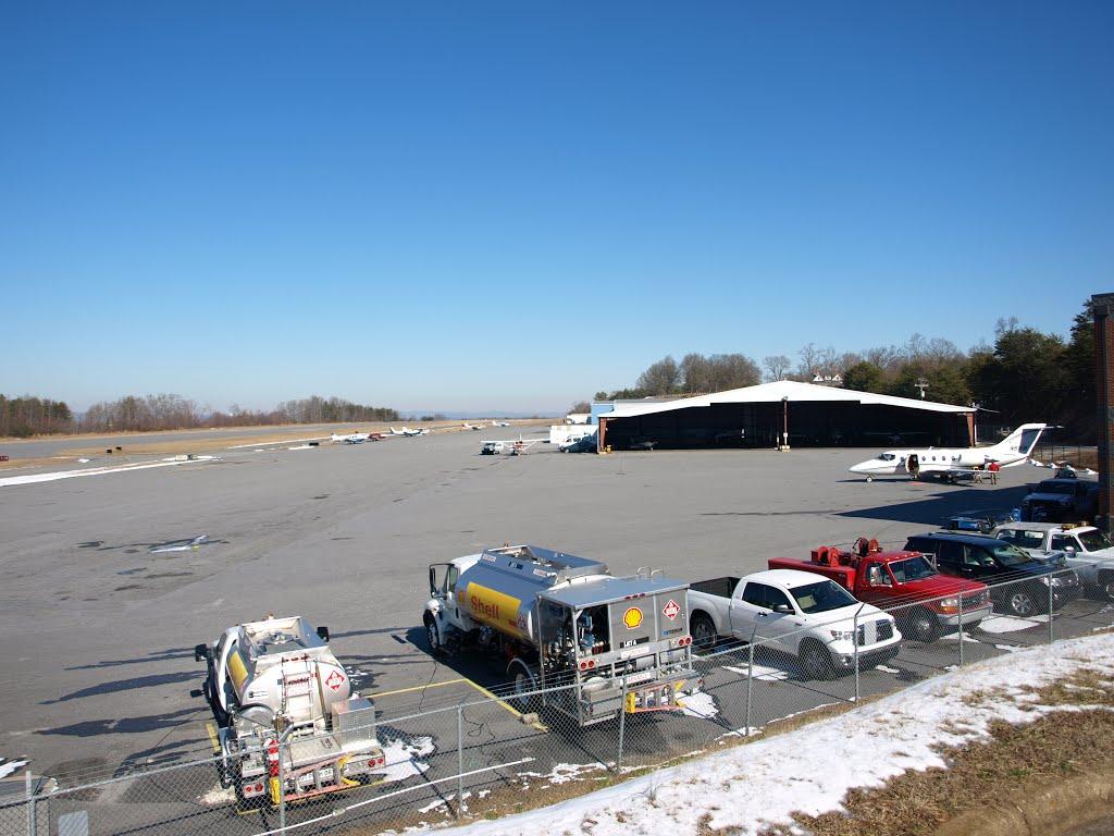 Hickory Airport, Пенелоп
