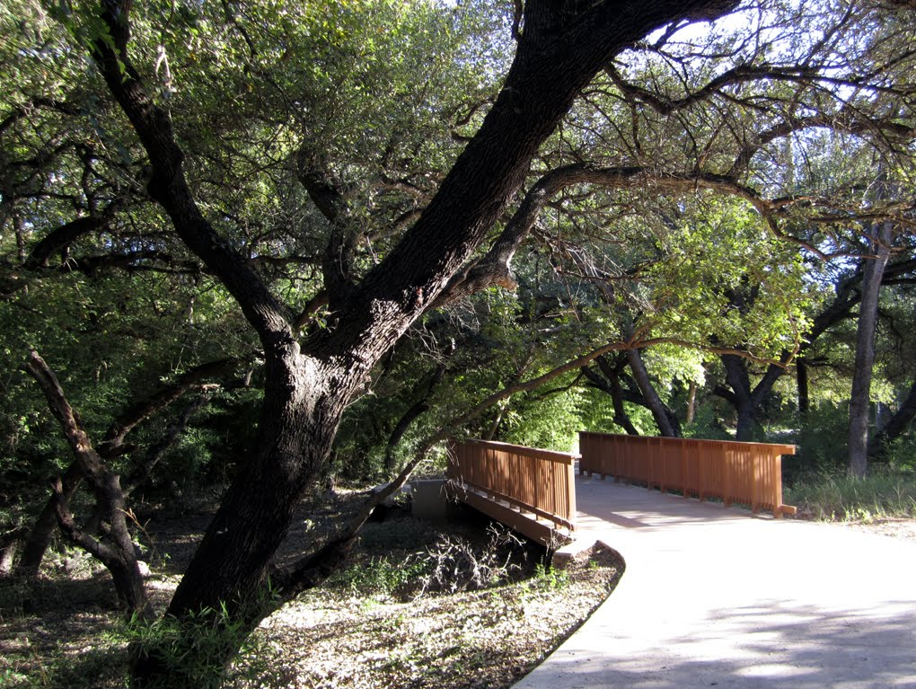 Salado Creek Greenway, San Antonio, Tx, Кирби
