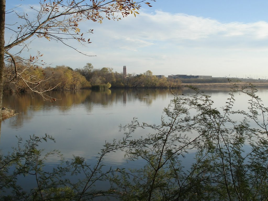 Live Oak City Lake and Northeast Lakeview College Campus, Кирби