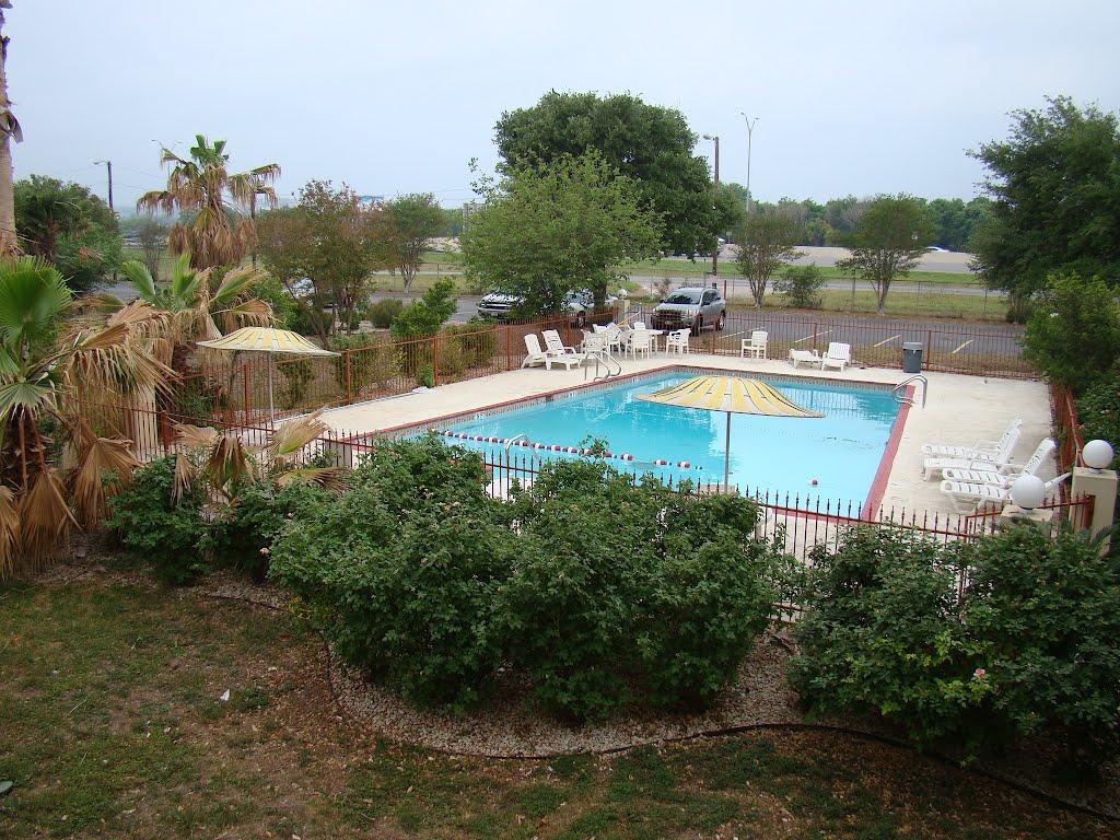 Pool @ Days Inn San Antonio ATT center, Кирби
