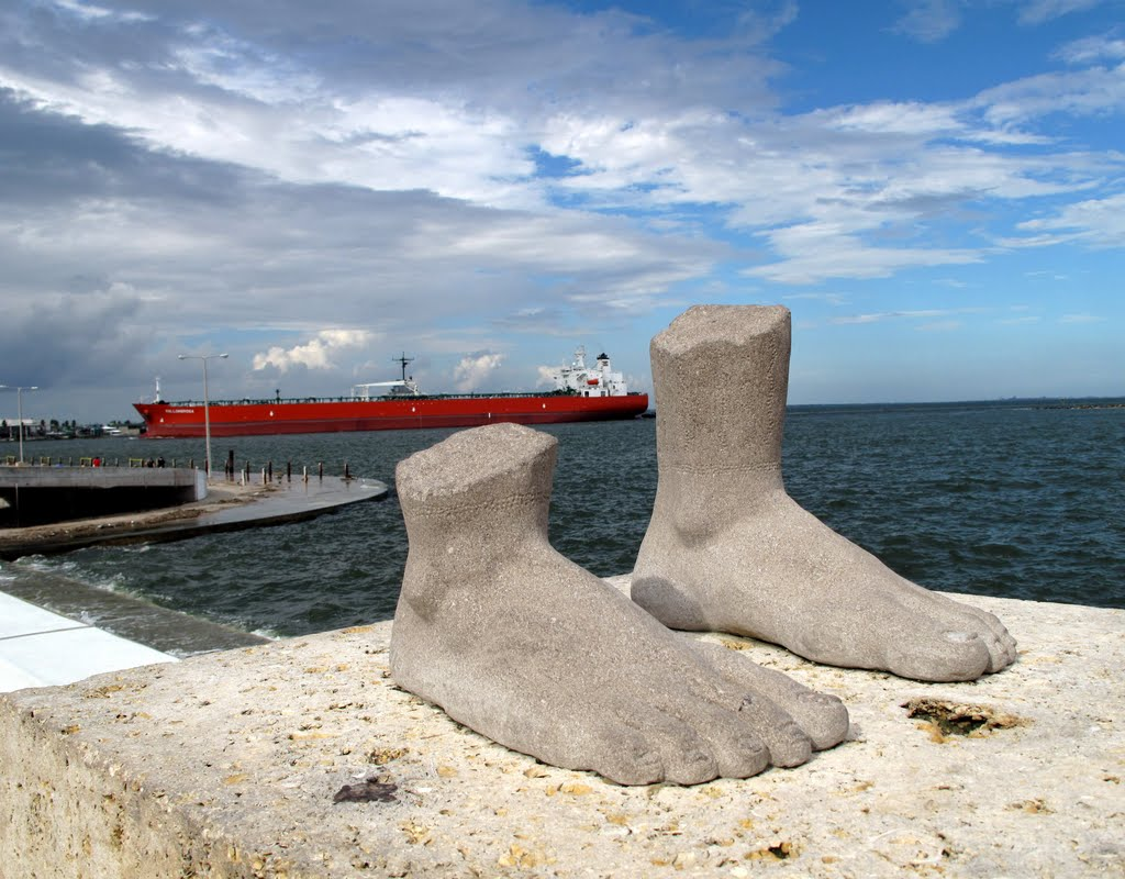 Just Feet in Front of a Tanker in Corpus Christi, Texas, Корпус-Кристи