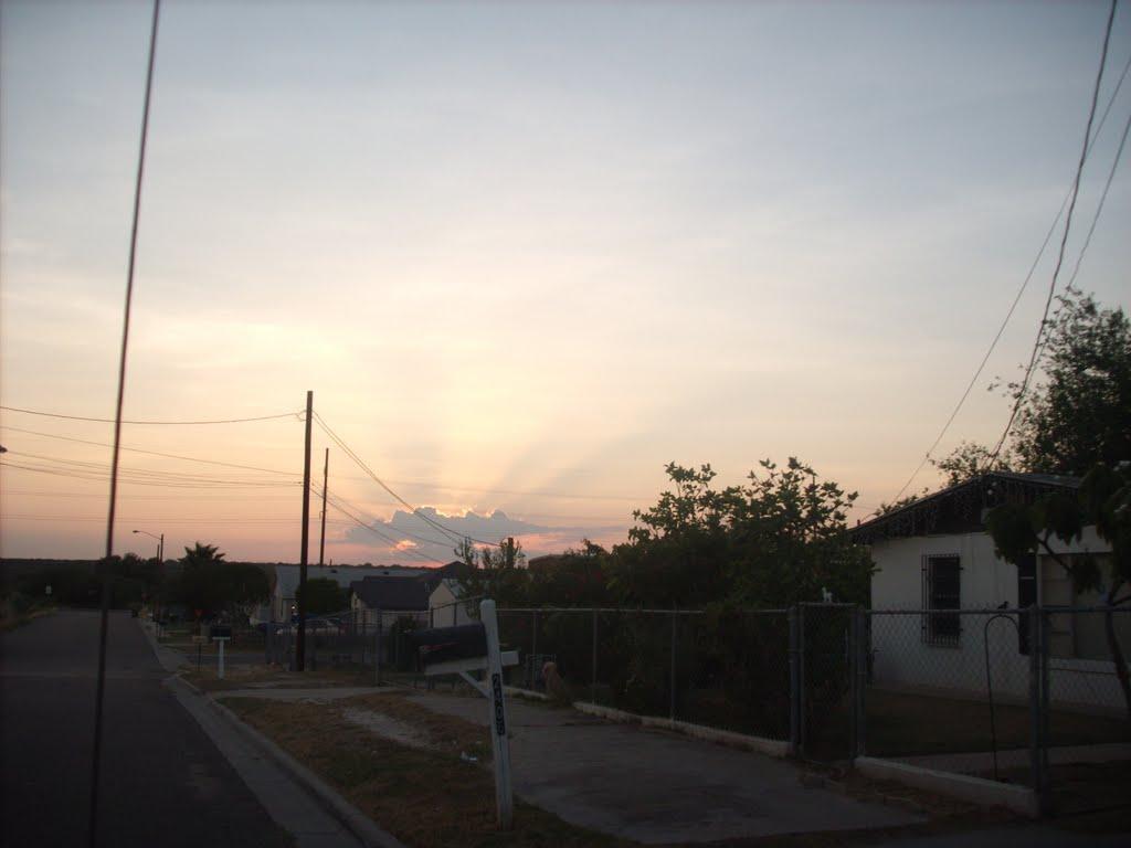 Sunset view from Lafayette Street, Ларедо