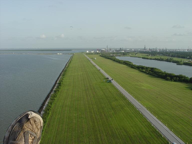 Powered Paragliding Over Texas City Levee, Лейк-Ворт