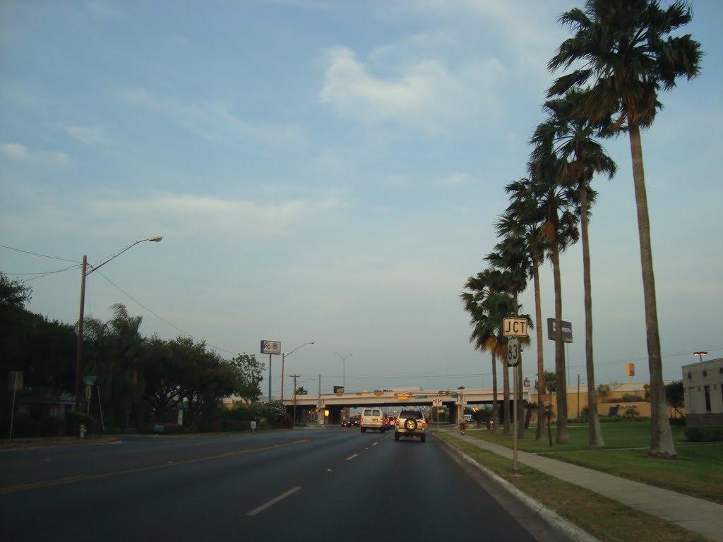 Jackson Ave and Expwy 83, McAllen Tx, Мак-Аллен