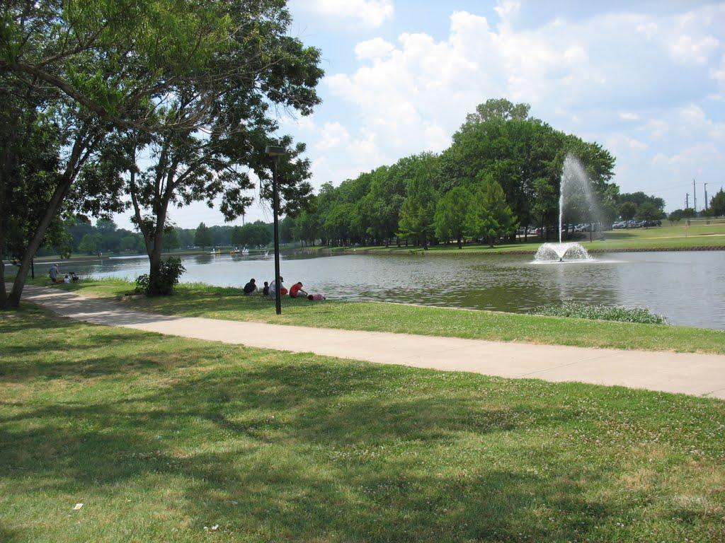 Beautiful Town Lake Park Recreation Area in McKinney, Мак-Кинни