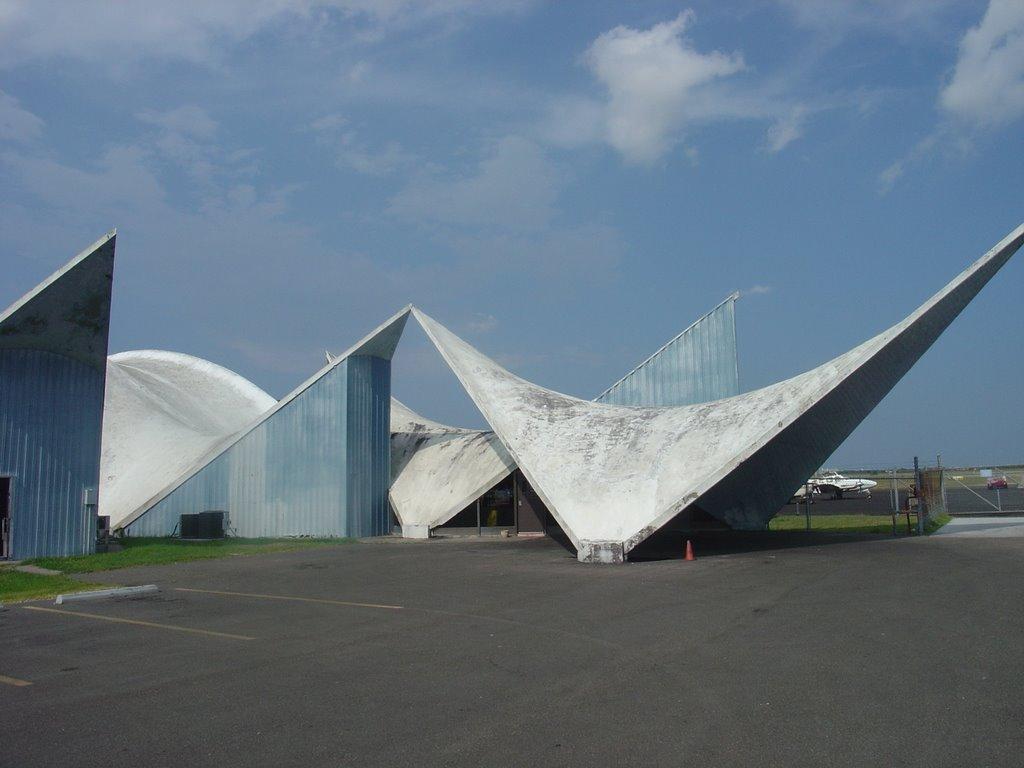 Corpus Christi Airport Structure, Одем