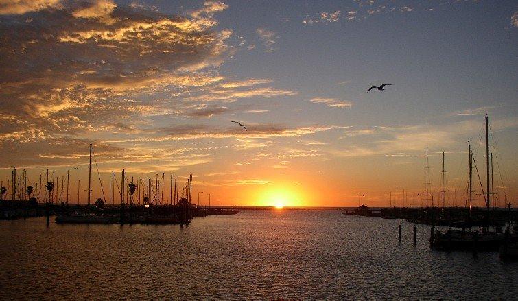 Sunrise, Corpus Christi, Одем