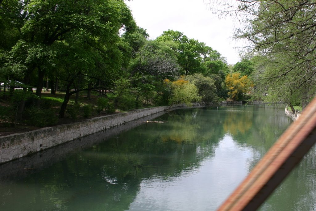 View of River, Олмос-Парк