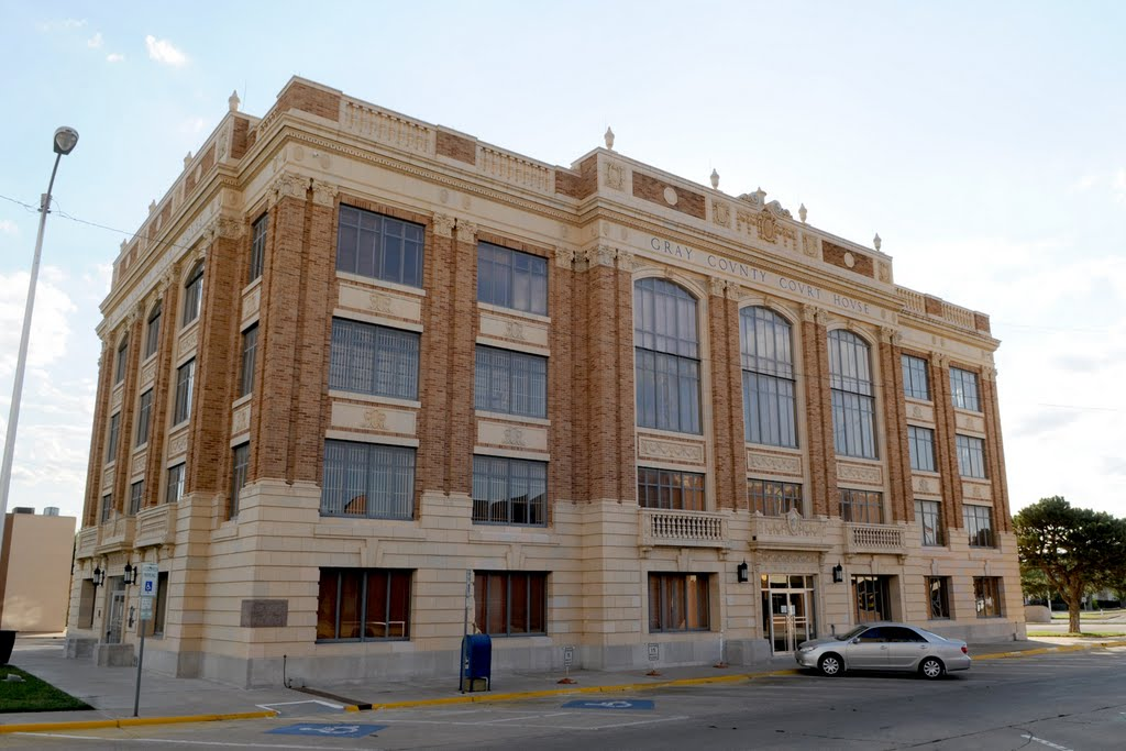 Gray Co. Courthouse (1928)-Pampa TX 6-2011, Пампа