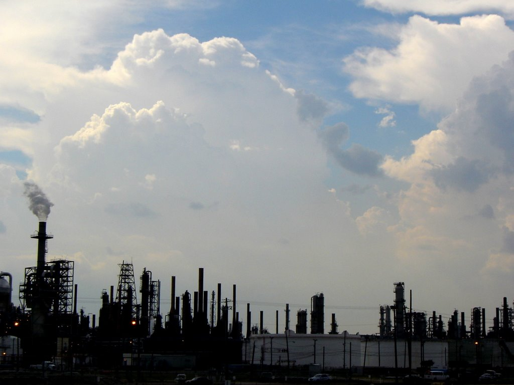 Sky on a Refinery Houston TX, Пасадена