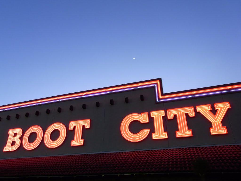 Boot City, Пасадена