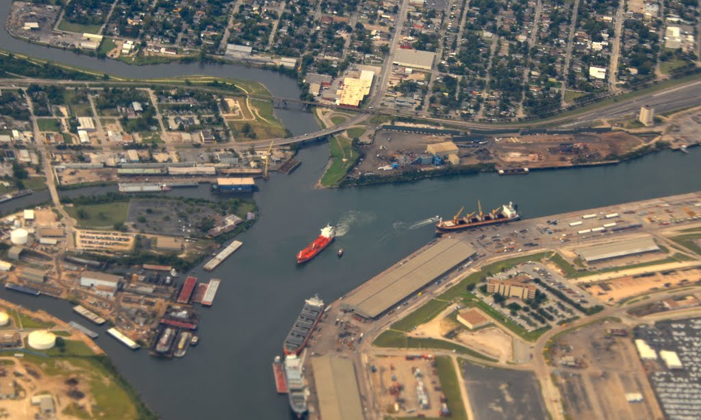 Houston Shipping Channel, Пасадена