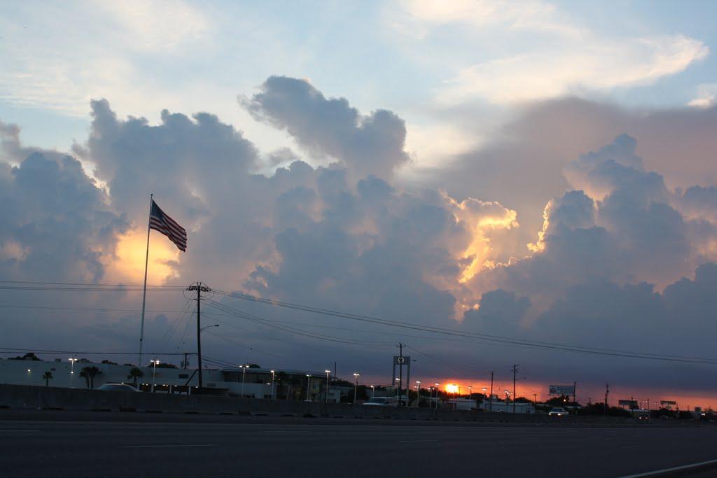 SUNSET OVER HOUSTON, Пирленд