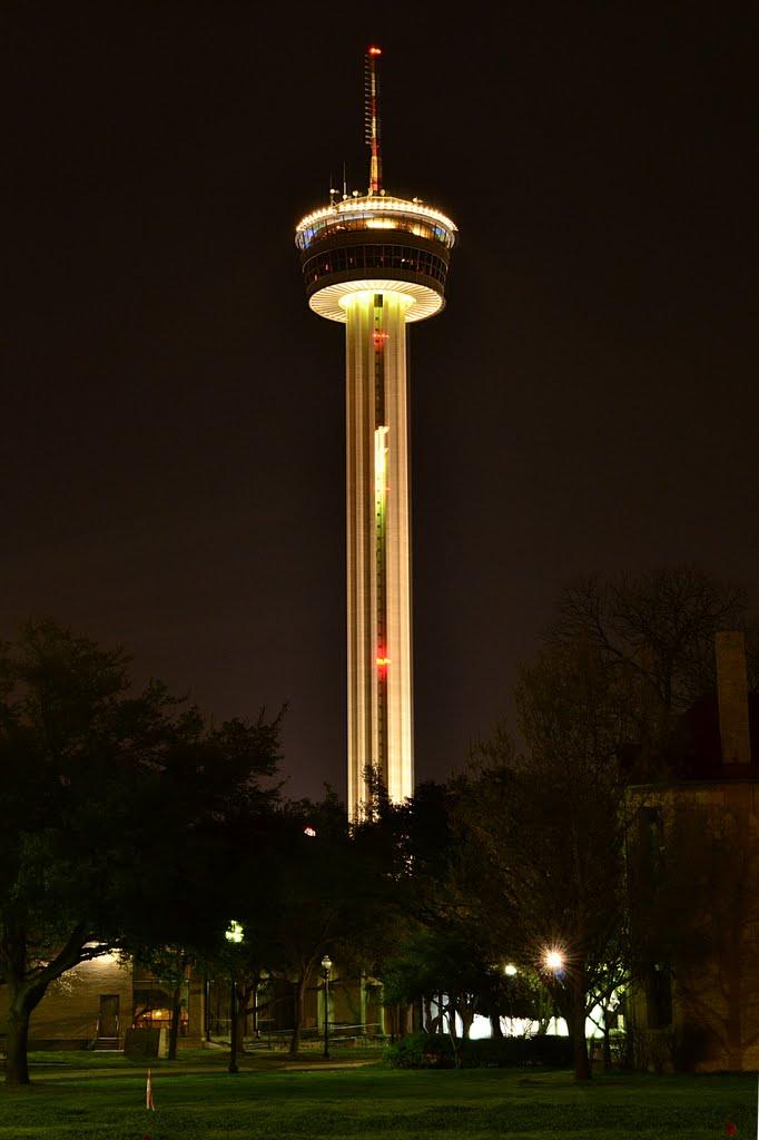 Tower of the Americas at night , San Antonio, TX - February 23, 2012, Сан-Антонио