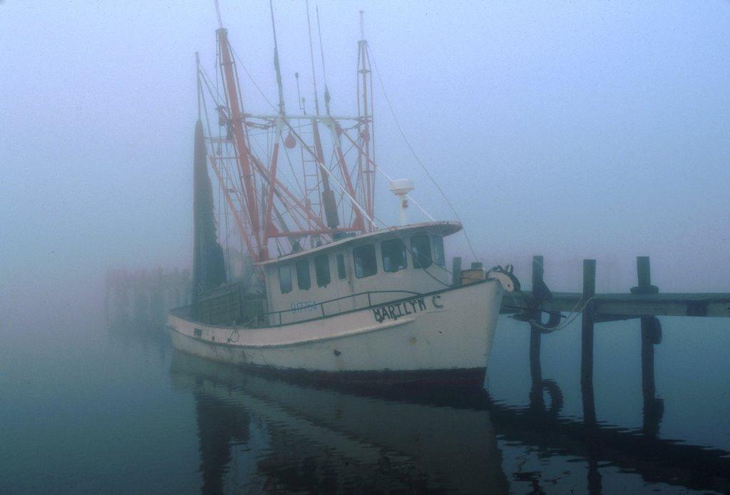 Fishing boat, Texas City, Слатон