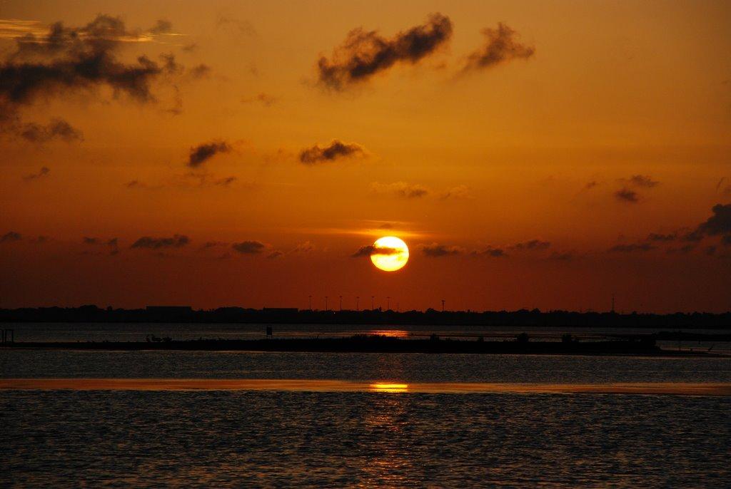 Sunset on Laguna Madre, Тафт