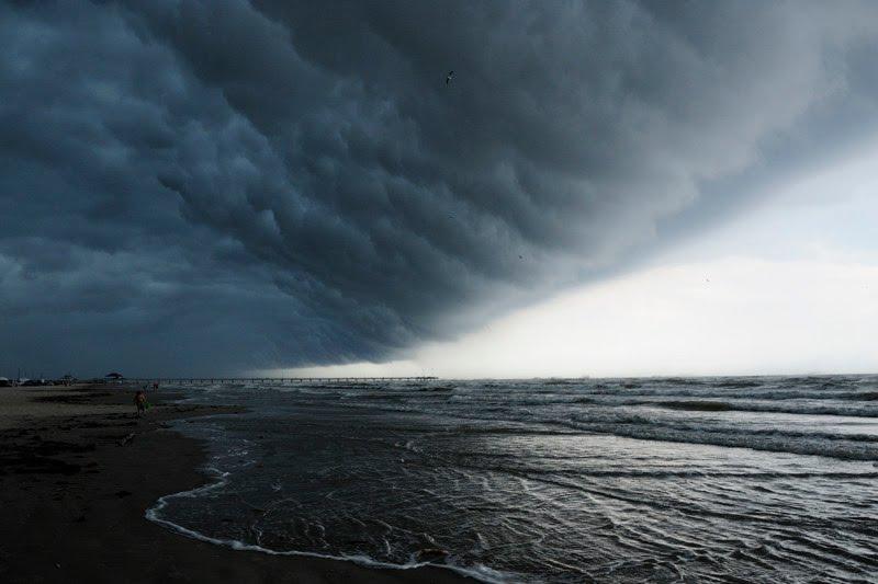 Storm front passes over Port Aransas beaches - Copyright 2010 by John C Karjanis, Тафт