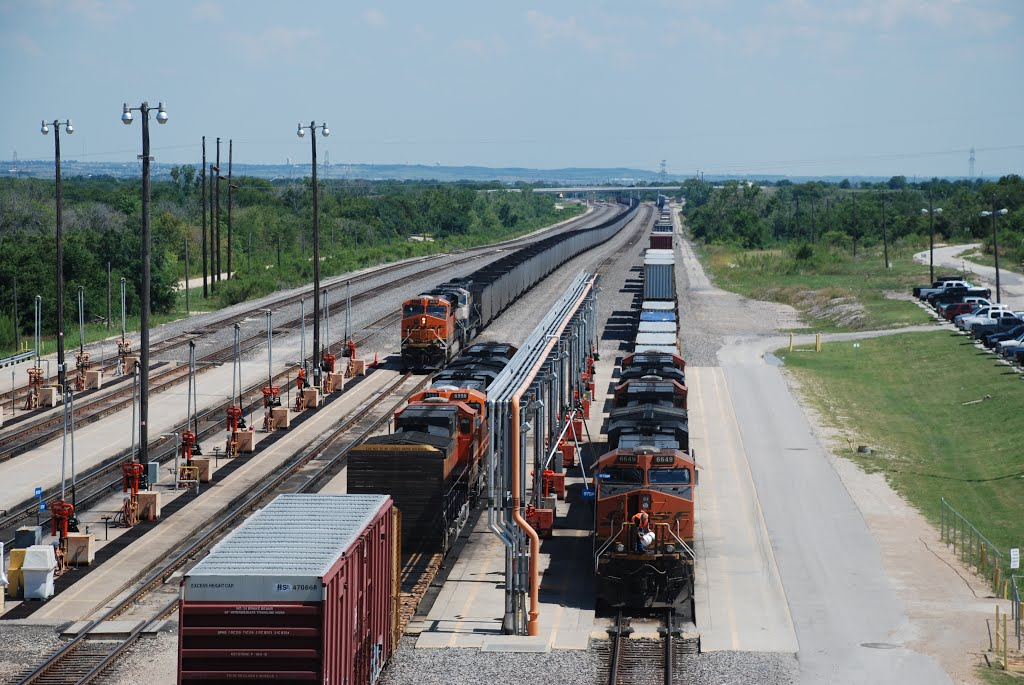 BNSF Fuel Pad at MP 214.9 (Knowd) on The Galveston Subdivision, Темпл