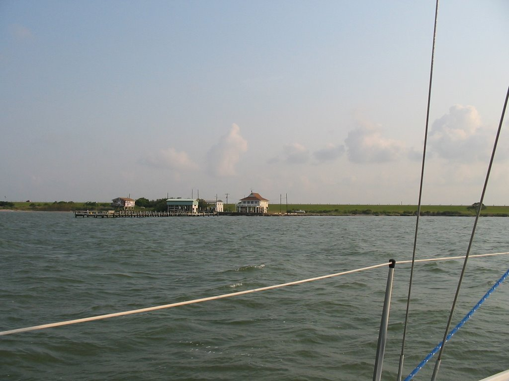 Shore of Galveston Bay, near Texas City, Уайт-Сеттлмент