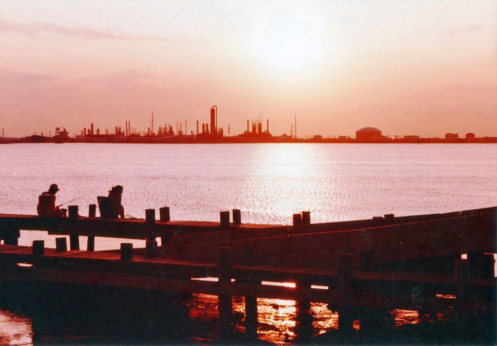 Evening Fishing on the Dike, Уайт-Сеттлмент