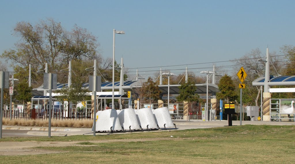 Farmers Branch Light Rail (DART) Station with Bicycle Parking Pods and Free Car Parking (237 Spaces, but not overnight). Stop for Dr Pepper StarCenter, Farmers Branch City Hall, Watterworth Park, Historical Park, Фармерс-Бранч