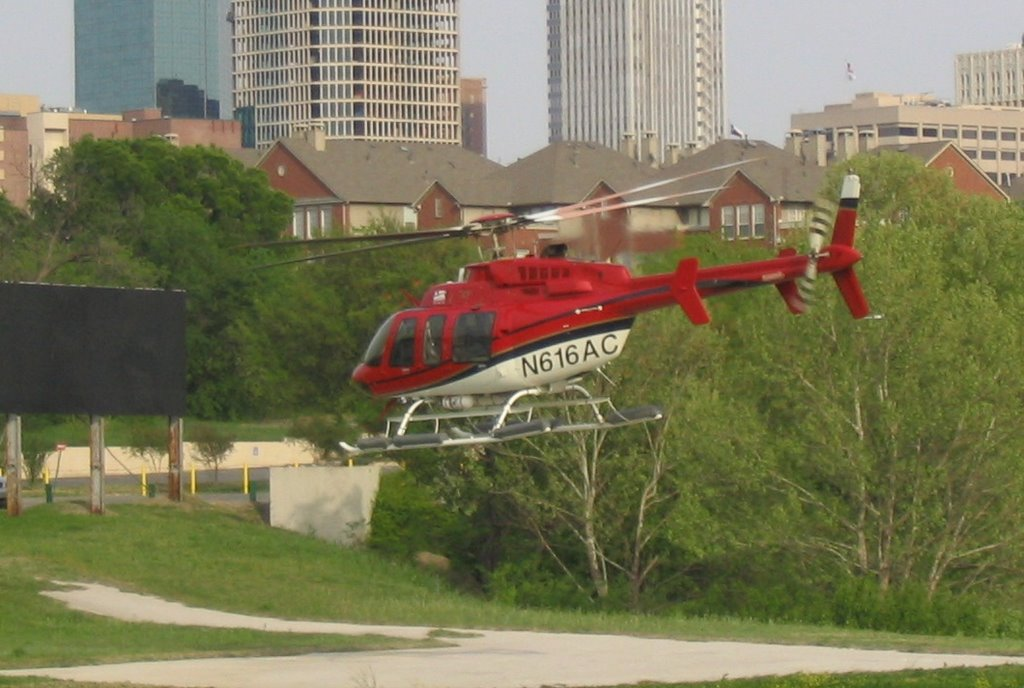 Helicopter_in_Downtown_Ft_Worth, Форт-Уэрт