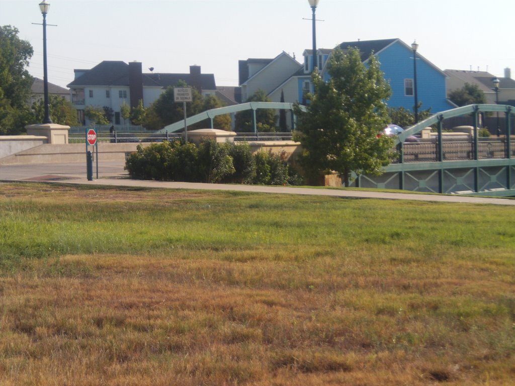 bridge in suburbia 2008, Харст