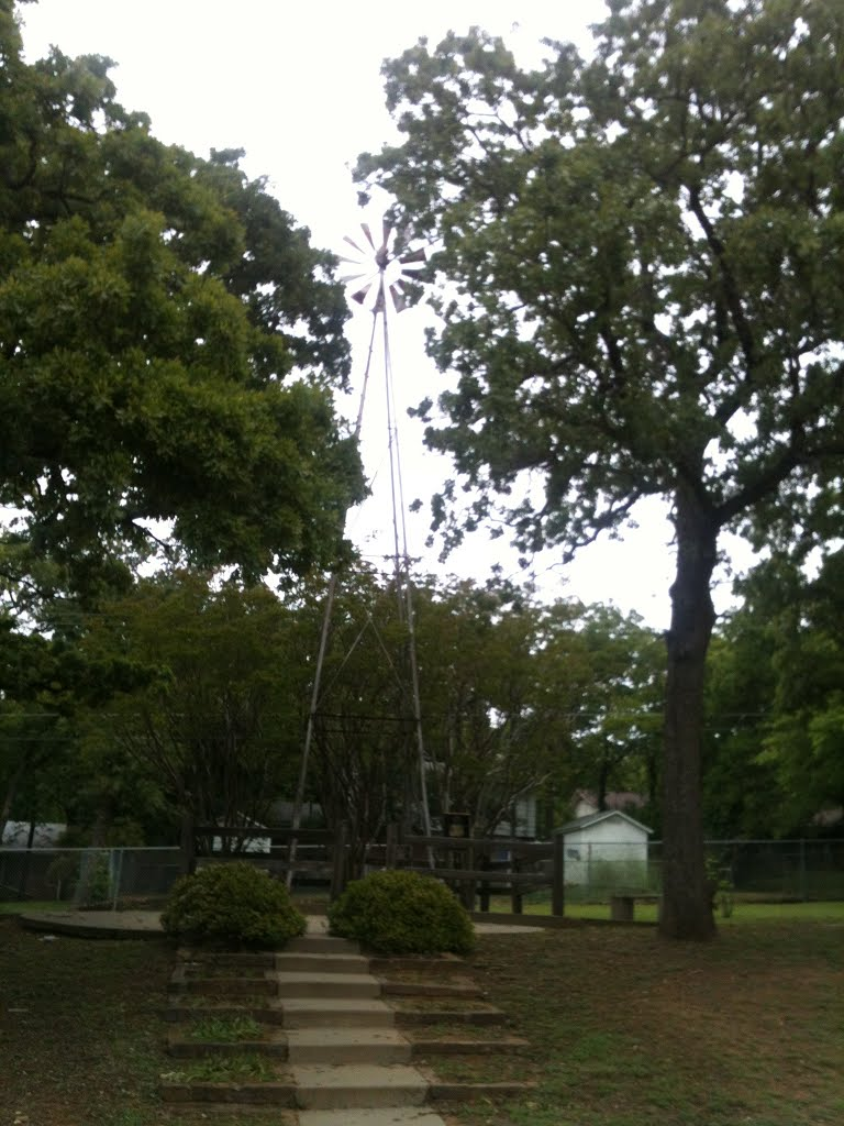 Windmill Park, Харст