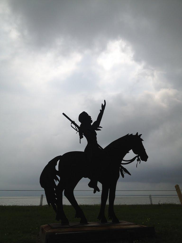 metal sculpture on Skyline Dr, Худсон