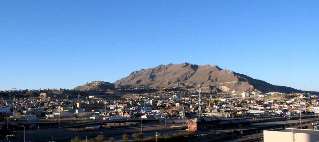 Mt. Franklin from parking structure - Downtown El Paso, Эль-Пасо