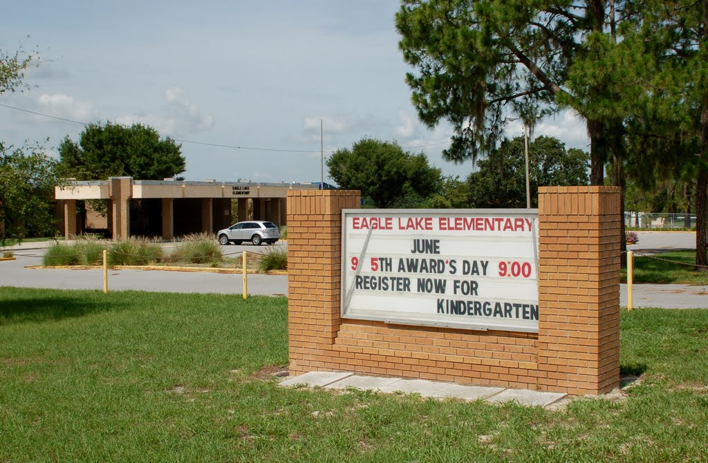 Sign at Eagle Lake Elementary School, Eagle Lake, FL, Игл-Лейк