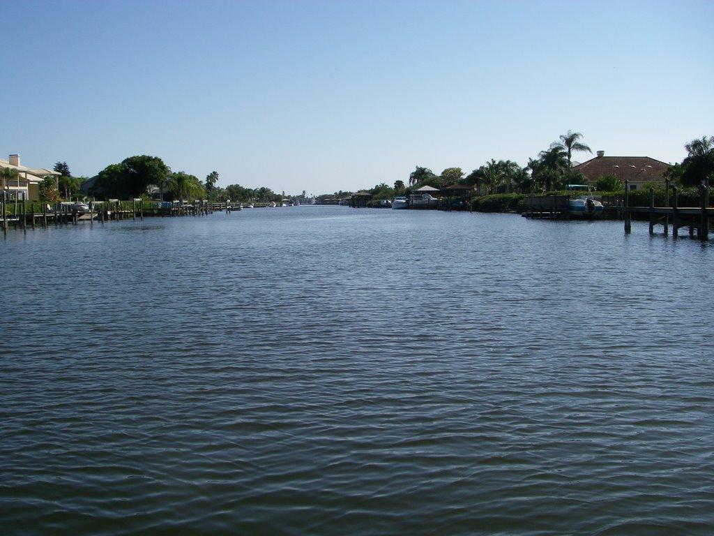 Grand Canal, looking south, Индиан-Харбор-Бич