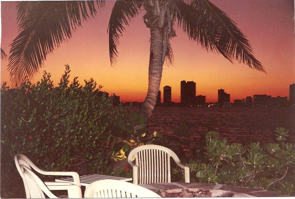 Atardecer - Miami - Downtown, Ки-Бискейн