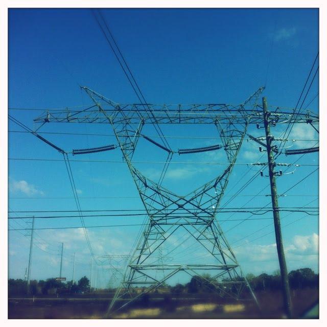 Major power line, Клейр-Мел-Сити