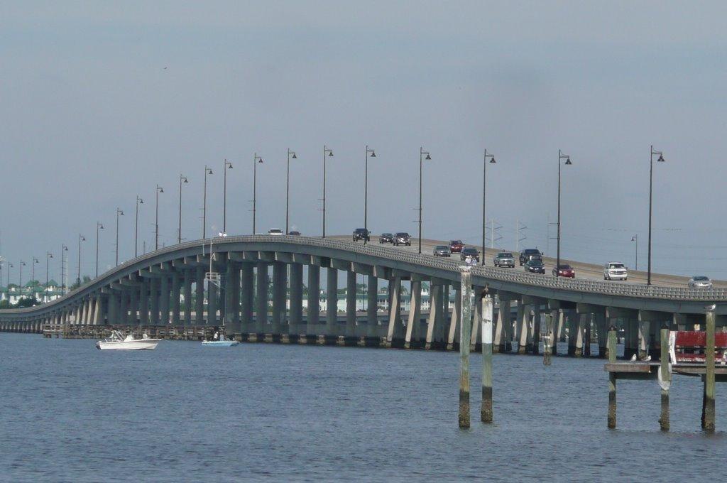 BRIDGE FROM GILCHRIST PARK, Кливленд