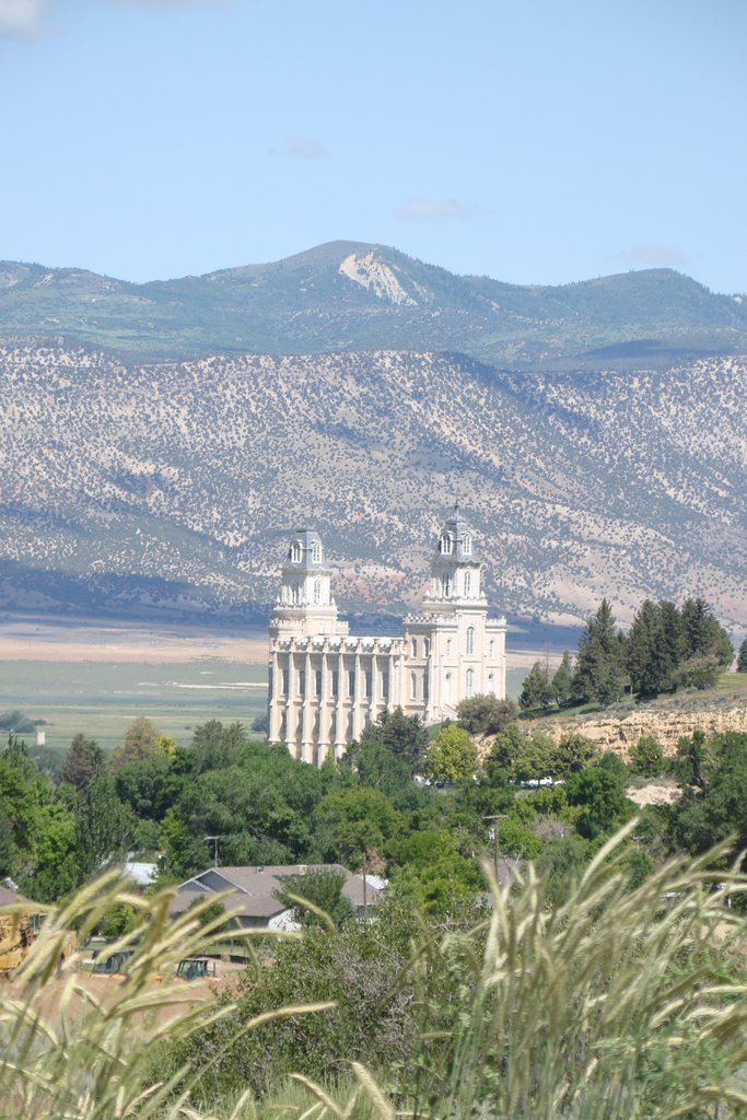 Manti Temple from the hills, Беннион