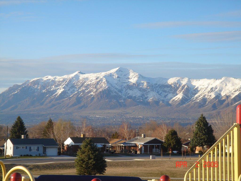 Mt. Ben Lomond from Washington Terrace Elementary School Playground, Вашингтон-Террас