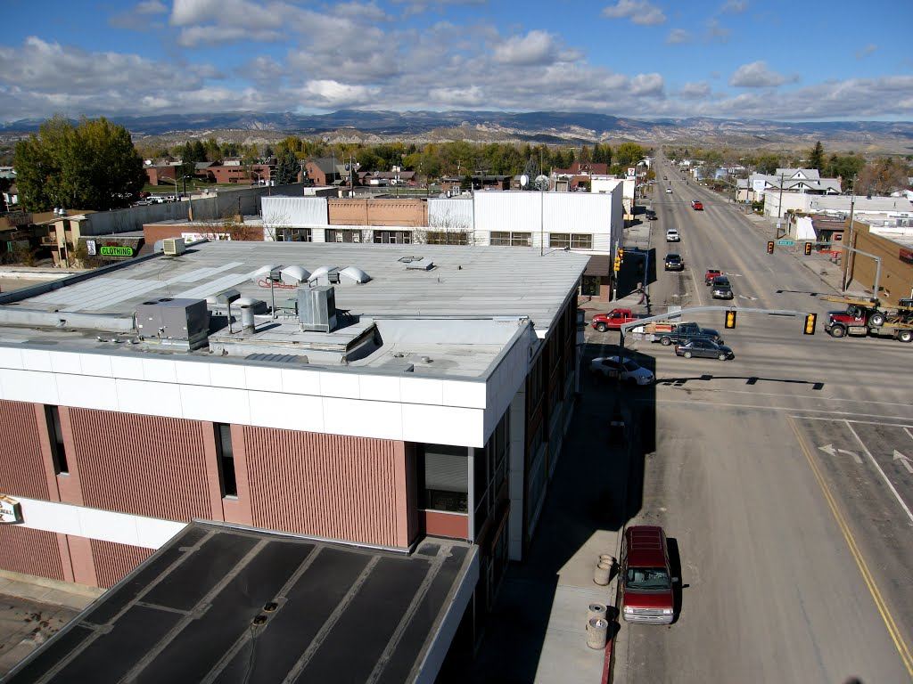 Vernal Avenue Looking North toward Uinta Mountains, Вернал