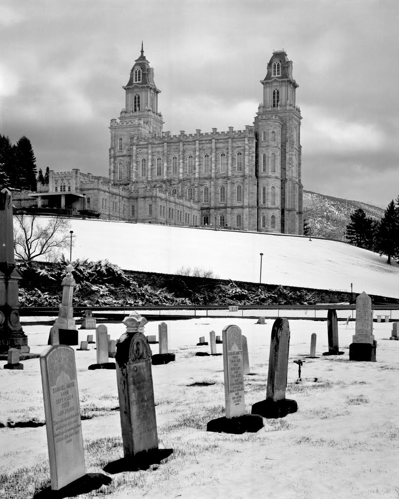 Cemetery and Manti LDS Temple, Вест-Боунтифул