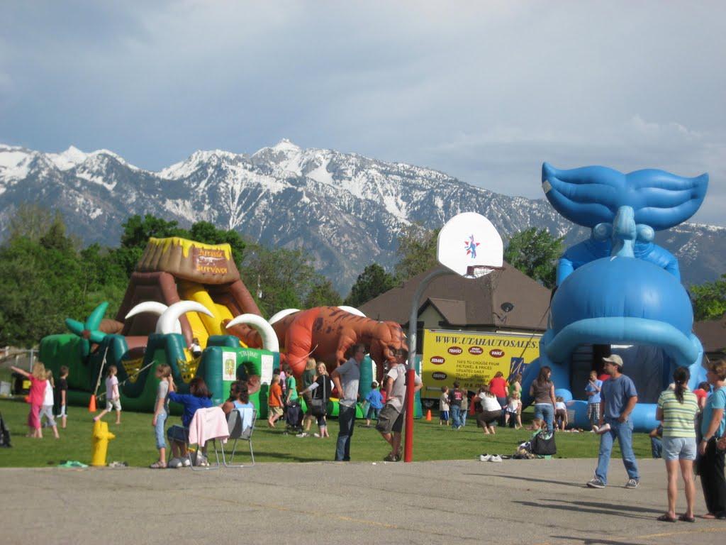 Fair in the School Ground,Sandy, Гранит-Парк