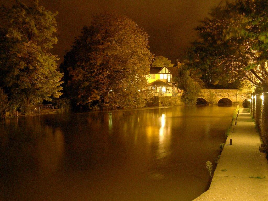 Thames at Night, Абингдон