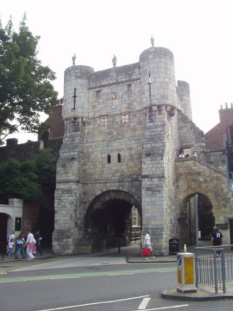 Main gate, York 08/04, Йорк