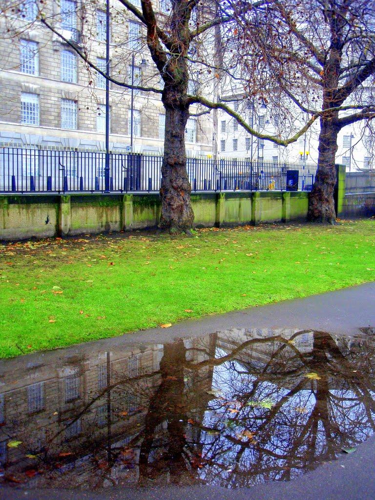 Towards Tate Britain, Лондон