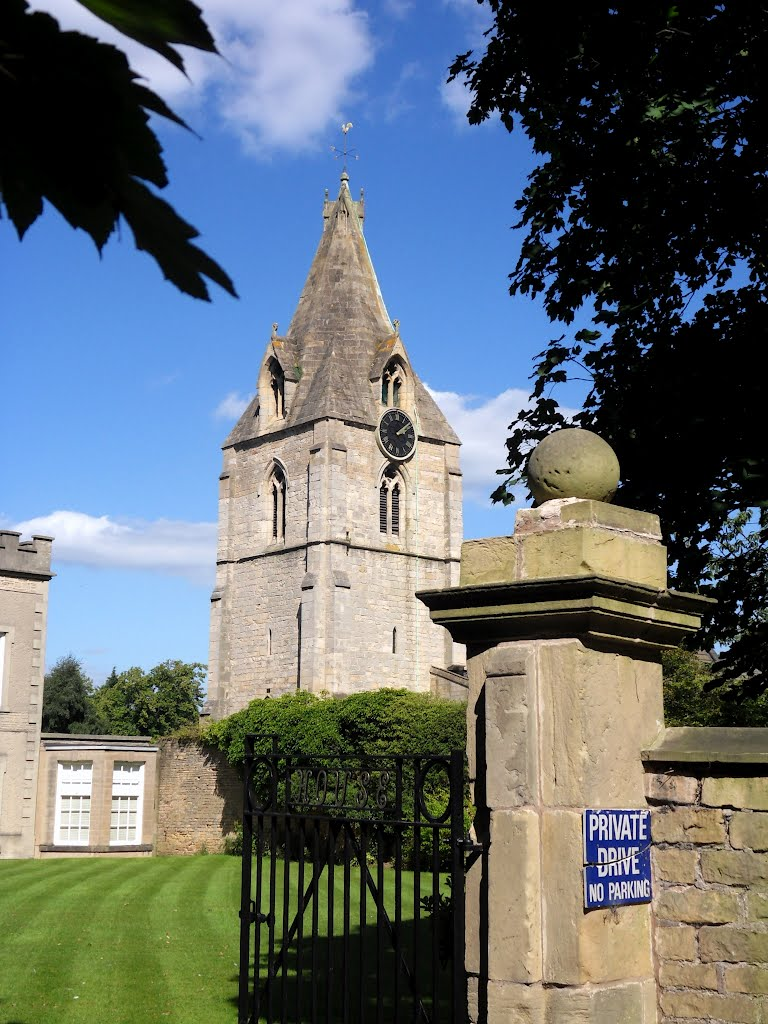 The tower and spire of St Edmund King and Martyr church at Mansfield Woodhouse ., Мансфилд