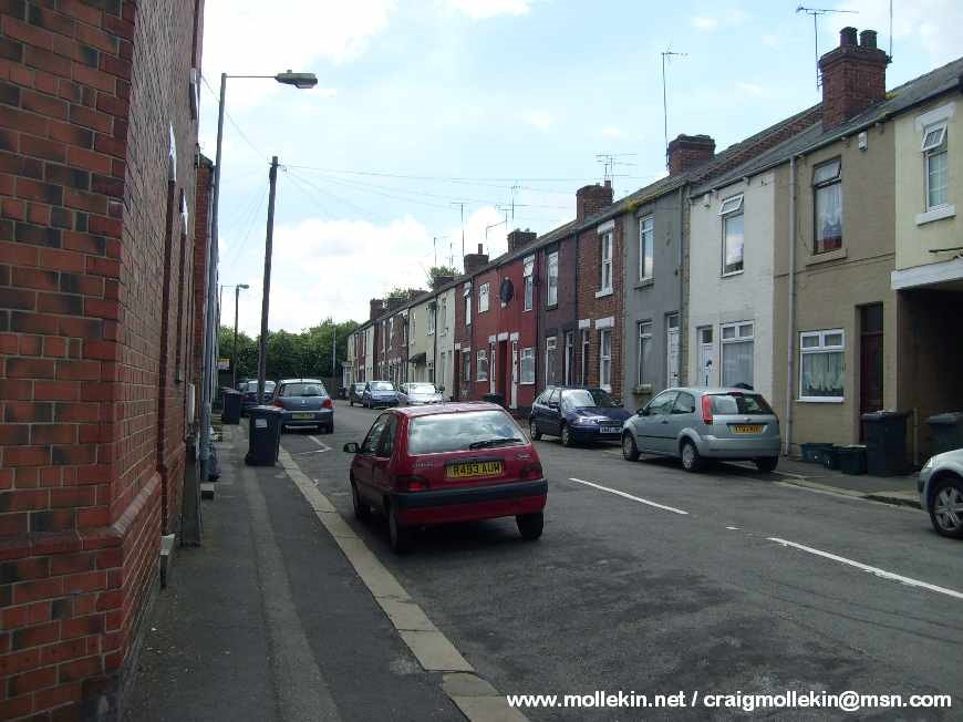 Barker Street, Mexborough, Свинтон